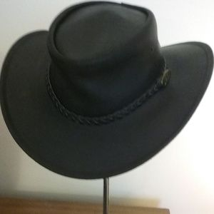 Jacaru Black Leather Outback Hat